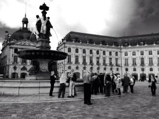 Touristes Place de la Bourse, Bordeaux © Nathalie Tiennot