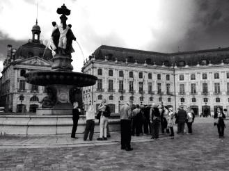 Touristes Place de la Bourse, Bordeaux © Nathalie Tiennot